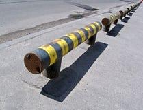 barier危险等级路警告黄色 免版税库存照片