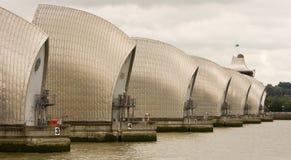 bariery ściśnięty perspektywiczny Thames widok Zdjęcia Stock