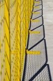 bariery metalu siatkarstwa kolor żółty Zdjęcie Royalty Free