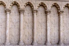 Barilefy välva sig arkitektoniska beståndsdelar, domkyrkaNotre-Dame de Paris - som byggs i fransk gotisk arkitektur Royaltyfria Foton