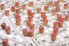 barili e schede per il bingo Fotografia Stock