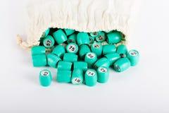 Barillets dans le sac pour le jeu russe de bingo-test de loto sur un backgr léger photos libres de droits