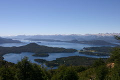 Bariloche och bergen royaltyfria bilder