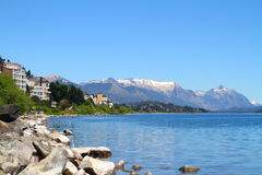 Bariloche y Nahuel Huapi Lake - la Argentina foto de archivo