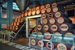 Barilotti del deposito di Guinness fotografia stock
