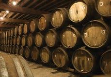 Barilotti in fabbrica di birra Fotografia Stock Libera da Diritti