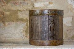 Barilotto di legno nel retro sguardo Fotografia Stock