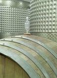 Barilotto e tini di vino Fotografia Stock