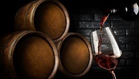 Barils avec du vin photographie stock