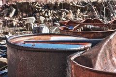 Barils avec les déchets toxiques Photo stock
