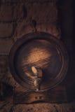 Barils dans la cave photos libres de droits