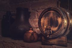 Barils dans la cave image libre de droits