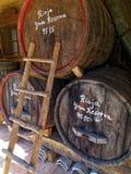 Barils de vin en bois photo libre de droits