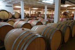 Barils de vin sud-africain empilés en vente photo libre de droits