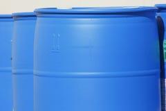 Barils en plastique bleus Image stock