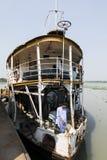 Barisal, Bangladesh, 27 Februari 2017: Weergeven van de boog en de eerste klasse van de Raket - het oude peddelstoomboot werken royalty-vrije stock fotografie