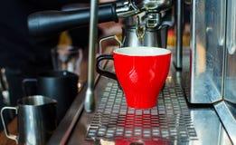 Barista Coffee Brewing royalty-vrije stock afbeeldingen
