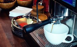 Barista Coffee Brewing royalty-vrije stock foto's