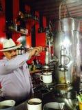 Barista colombiano fotografia stock