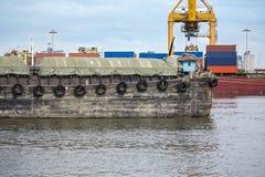 Barki niesie produktu rolnego masowego ładunku statek ukrywać zafrachtowania Zdjęcie Royalty Free