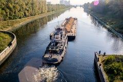 Barki wewnątrz kanał Obrazy Stock