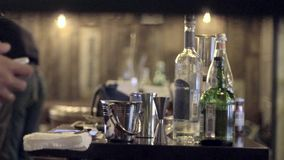 Barman Robi herbaty zbiory wideo