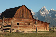 Barn Against The Tetons Royalty Free Stock Photos