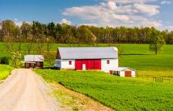Barn along a dirt road in rural York County, Pennsylvania. Royalty Free Stock Photos