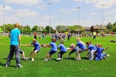Skola barn på sportdag Royaltyfri Fotografi