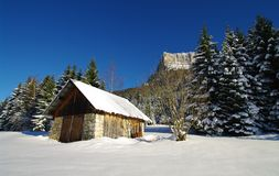Barn covered with snow Royalty Free Stock Images