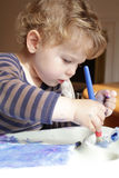 Barn dra konst för litet barn Fotografering för Bildbyråer
