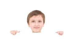 barn för banerpojkeholding Arkivbilder