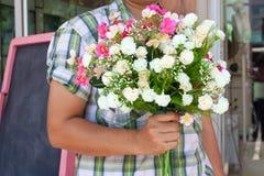 barn för blommahållman Royaltyfri Fotografi