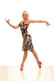 barn för dansståendekvinna Arkivfoto