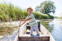 barn för fartygmanrodd Arkivfoto
