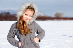 barn för flickaparkvinter fotografering för bildbyråer