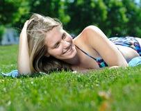 barn för kvinna för bikinisommar solbada Royaltyfri Bild