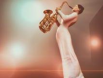 barn för kvinna för blå saxofon för bakgrund rökigt Arkivfoto