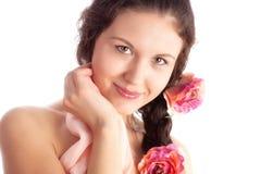 barn för kvinna för blommaståendeanbud Royaltyfria Bilder