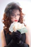 barn för kvinna för euroholdingpengar Royaltyfria Foton