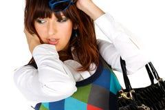 barn för kvinna för glamourståendesolglasögon Royaltyfria Foton
