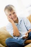 barn för lokal för spelare mp3 för pojke strömförande Royaltyfri Bild