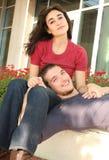 barn för parförälskelse utomhus Royaltyfri Fotografi