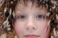 barn för sikt för pojkeståendesida Arkivbilder