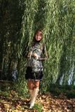 barn för treepilkvinna Arkivbild