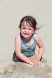 barn för weymouth för strandflicka leka Royaltyfria Foton