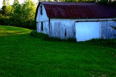 Barn and field Royalty Free Stock Photos