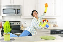 barn för cleaningkökkvinna Royaltyfri Fotografi