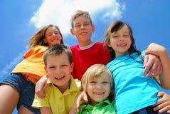 barn grupperar lyckligt Royaltyfri Fotografi