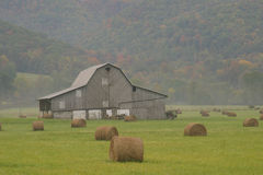 Barn In Hills. Old barn in the West Virginia hills Royalty Free Stock Photos